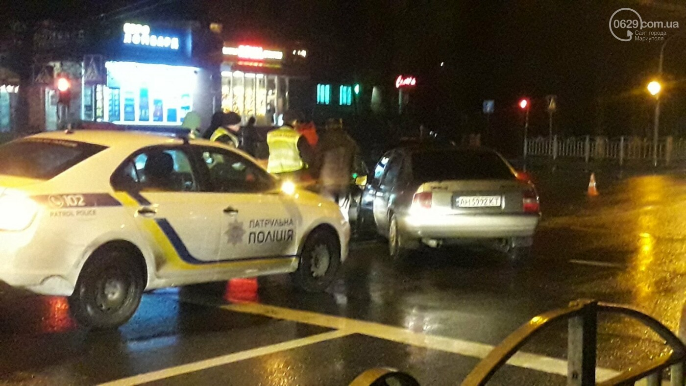 """В центре Мариуполя столкнулись две иномарки. Пострадал водитель """"Опеля"""", - ФОТО, фото-7"""