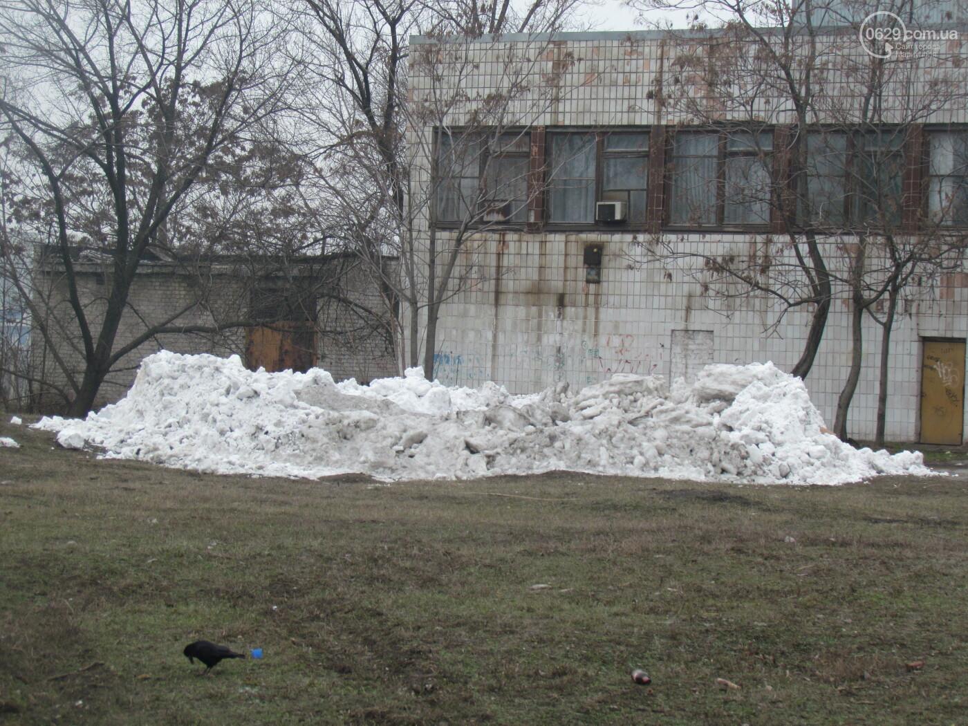 В Мариуполе на ул. Итальянской выросла снежная гора, - ФОТОФАКТ, фото-6