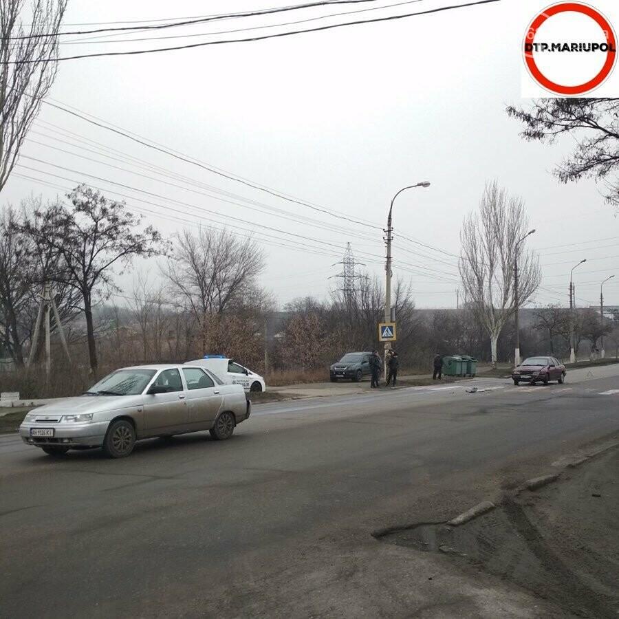"""В Мариуполе столкнулись """"ВАЗ"""" и """"Форд, - ФОТО, фото-2"""