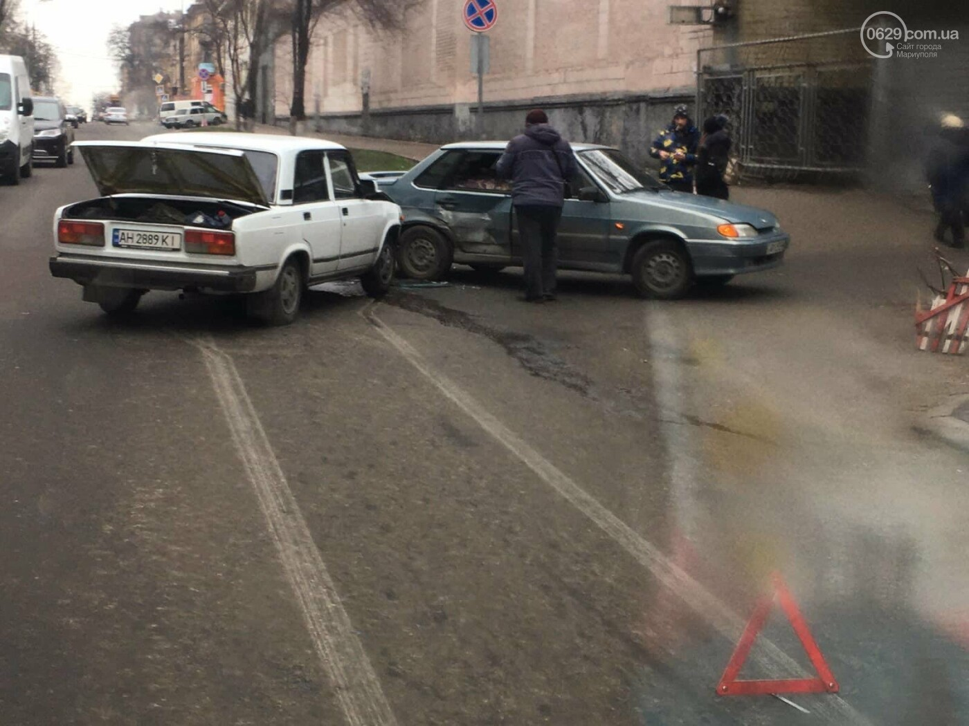 """В Мариуполе столкнулись два """"ВАЗа"""", - ФОТО, фото-3"""
