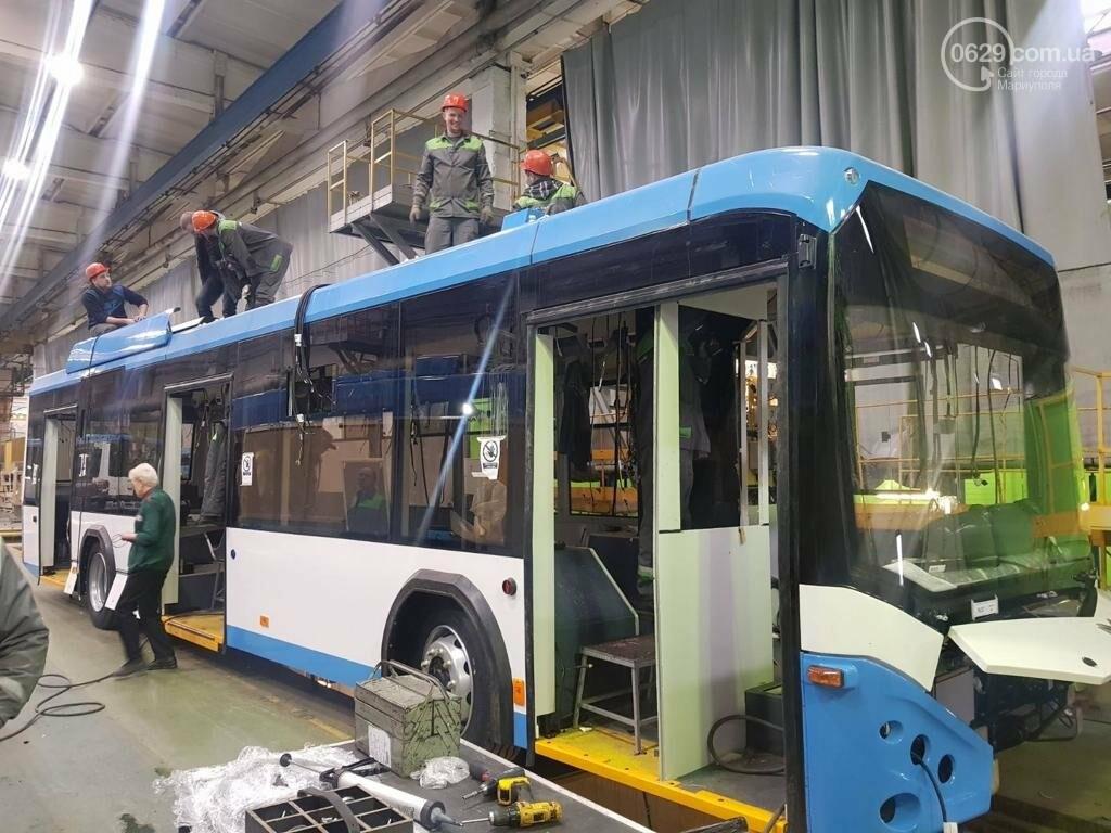 Мариупольцам показали троллейбусы,  которые приедут в город,- ФОТОФАКТ, фото-1