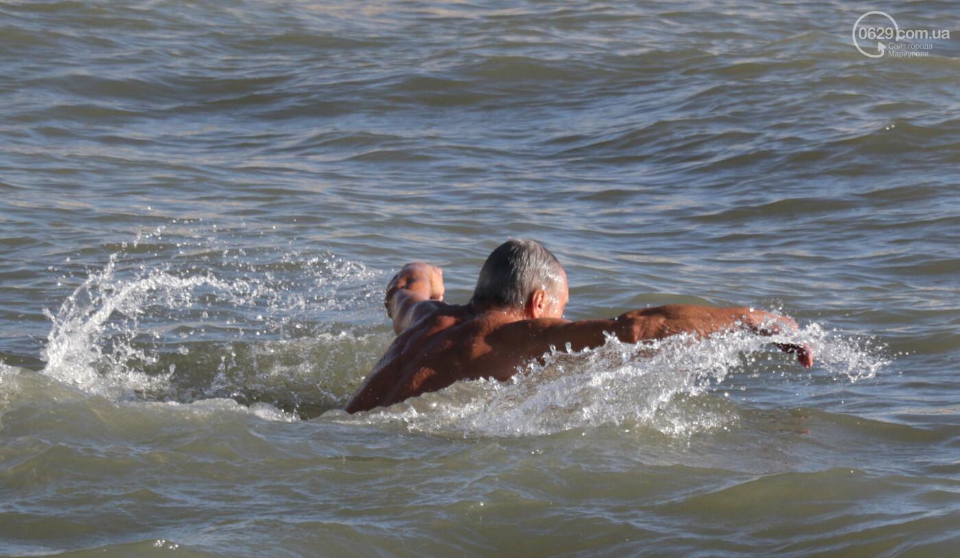 Окунуться в море ради селфи. 29 самых веселых и говорящих фотографий с крещенских купаний, - ФОТО , фото-15