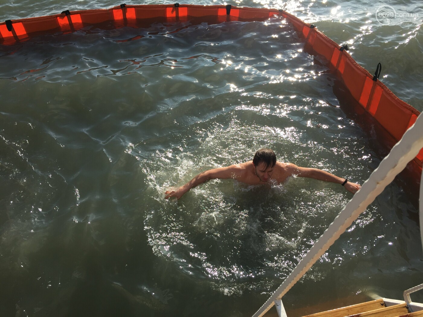 В Мариуполе массово отмечают Крещение, -ФОТО, фото-5