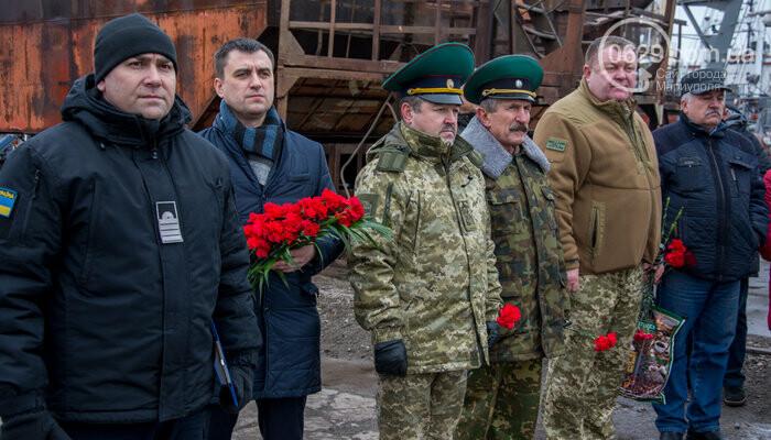 В Мариуполе открыли памятник морякам-пограничникам, погибшим в Азовском море, - ФОТО, фото-3