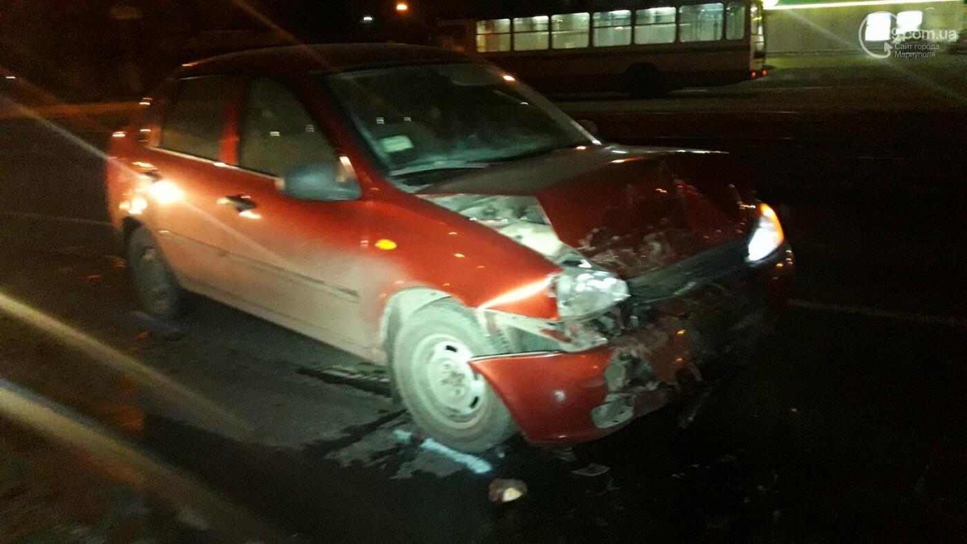В Мариуполе на перекрестке пьяный на Lada влетел в стоящий Mitsubishi, - ФОТО, фото-2