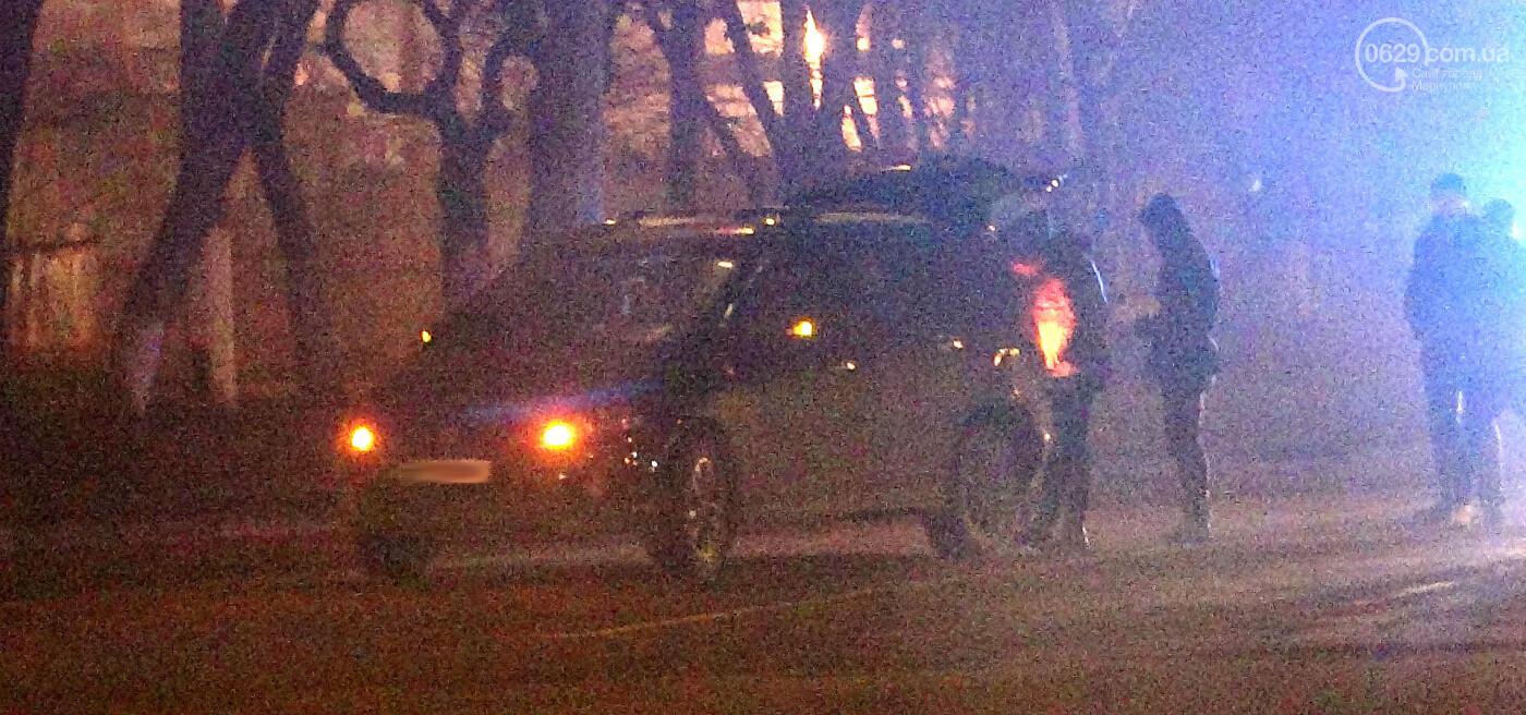 В Мариуполе на перекрестке пьяный на Lada влетел в стоящий Mitsubishi, - ФОТО, фото-13