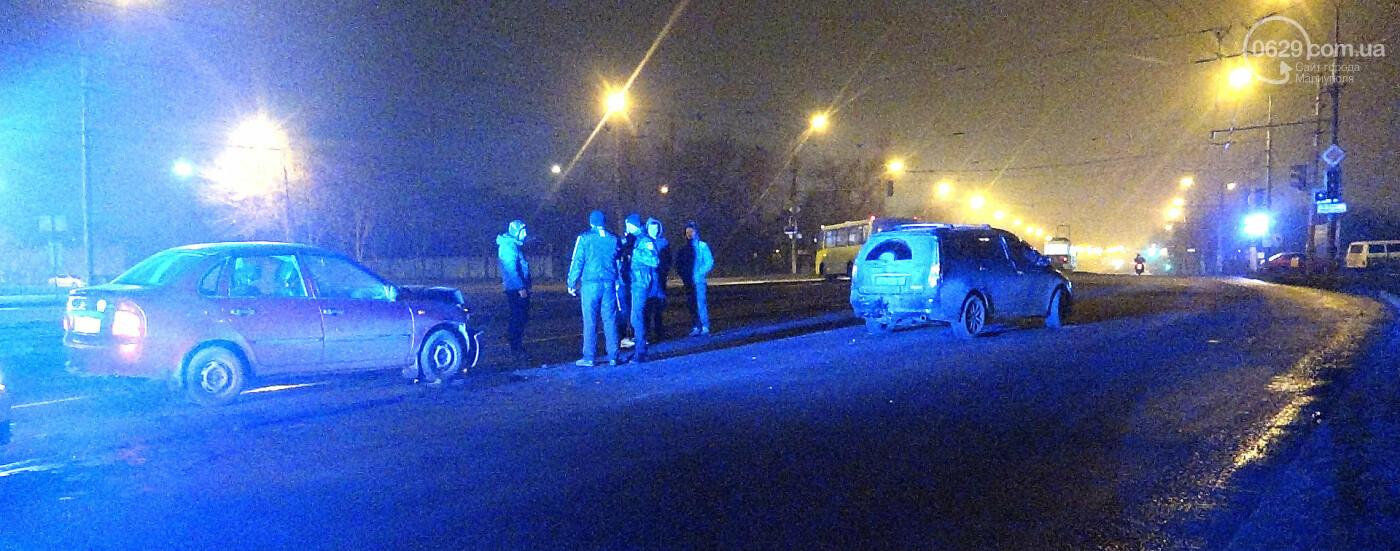 В Мариуполе на перекрестке пьяный на Lada влетел в стоящий Mitsubishi, - ФОТО, фото-12
