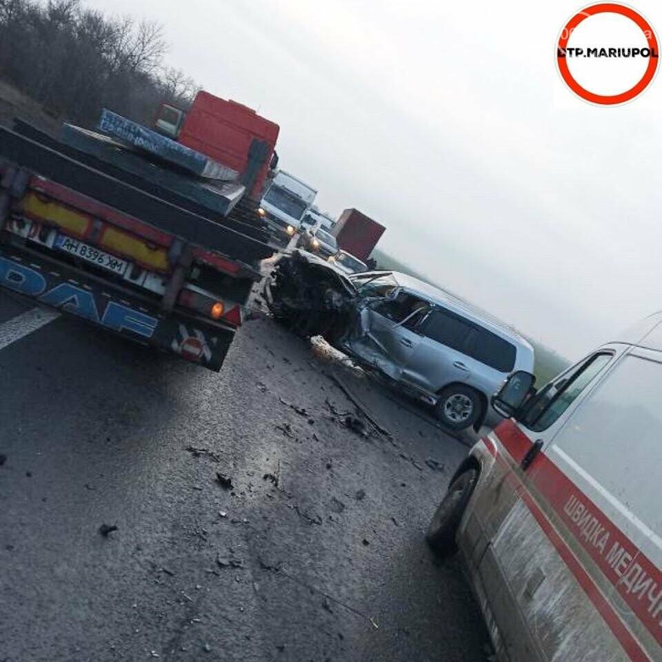 На трассе Мариуполь- Запорожье произошло ДТП, есть пострадавшие, - ФОТО, фото-1