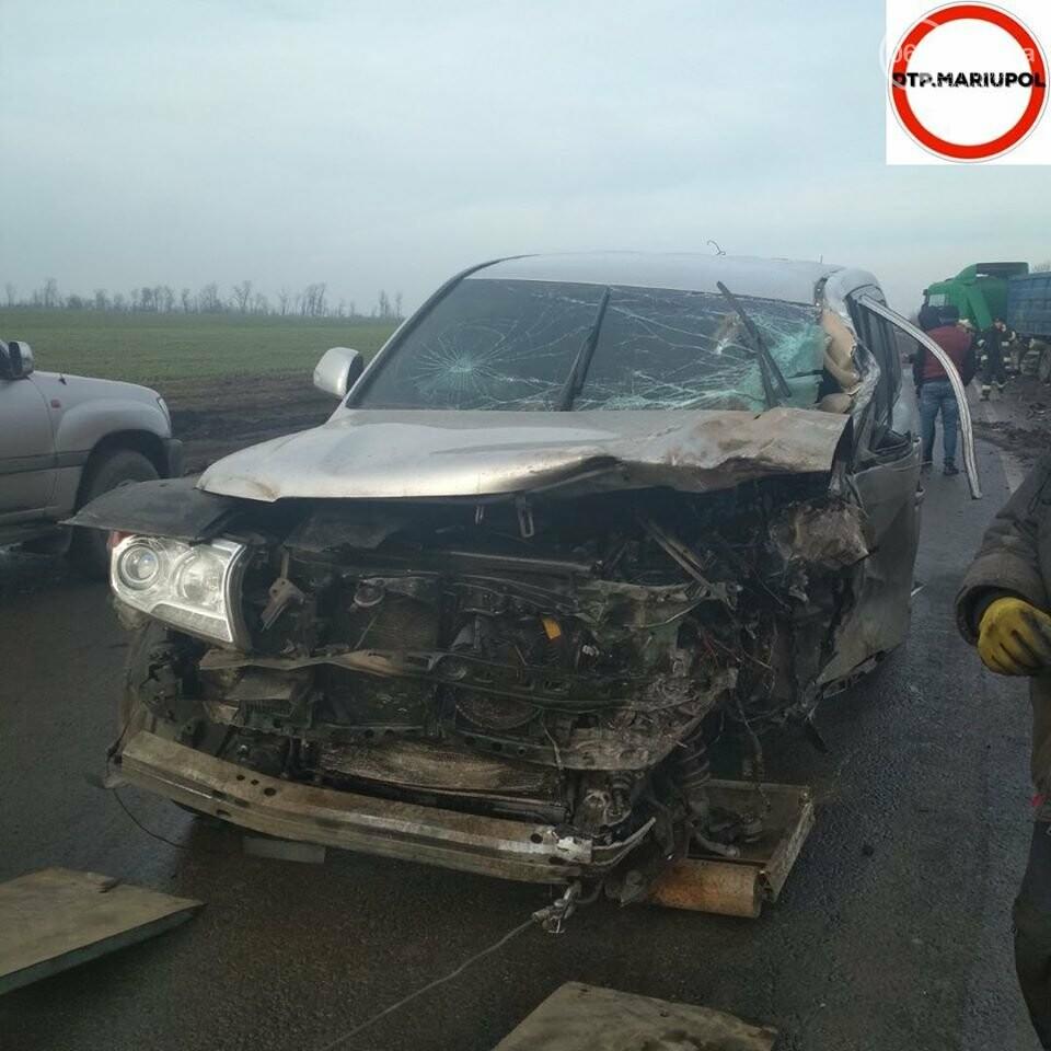 На трассе Мариуполь- Запорожье произошло ДТП, есть пострадавшие, - ФОТО, фото-2