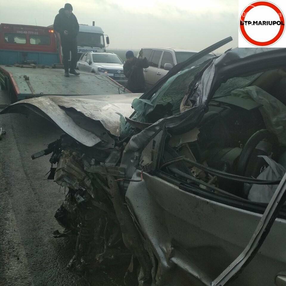 На трассе Мариуполь- Запорожье произошло ДТП, есть пострадавшие, - ФОТО, фото-3