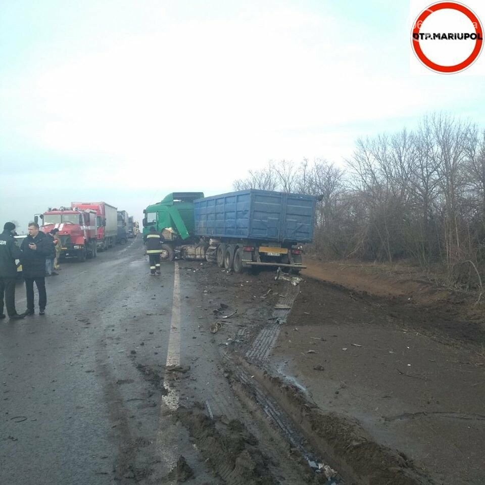 На трассе Мариуполь- Запорожье произошло ДТП, есть пострадавшие, - ФОТО, фото-12