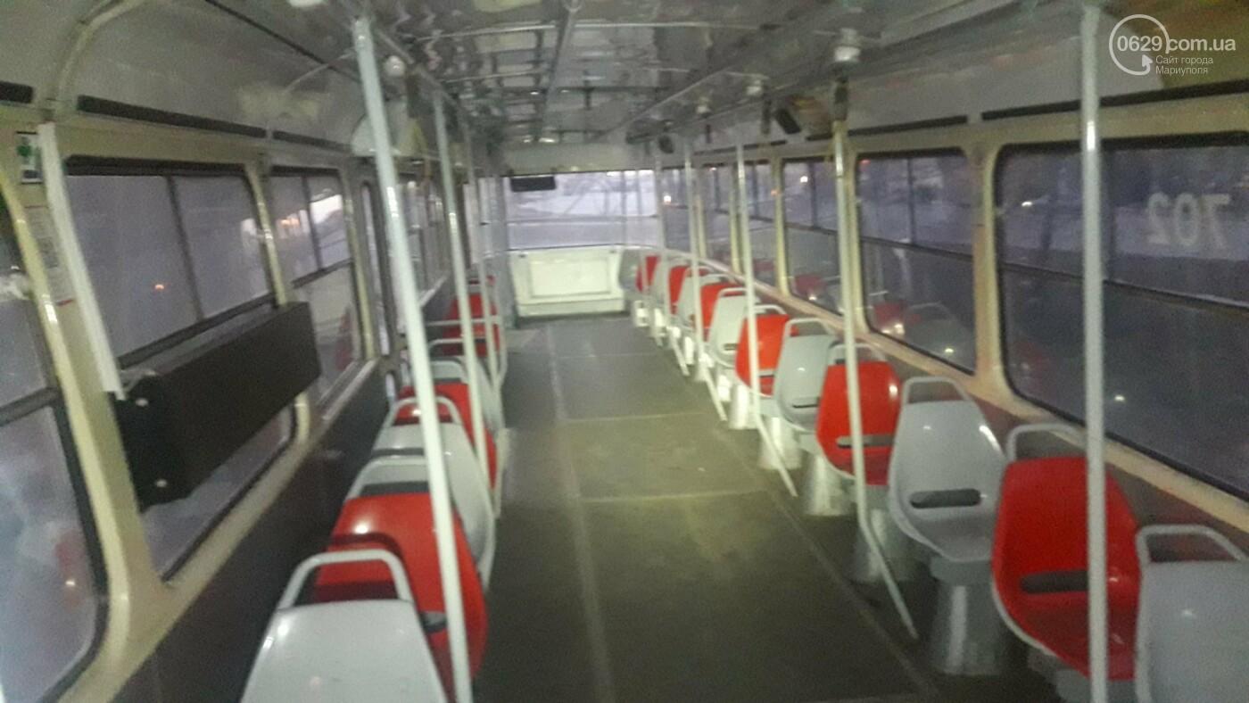 В Мариуполе трамвай столкнулся с фурой, - ФОТО, ВИДЕО, фото-9