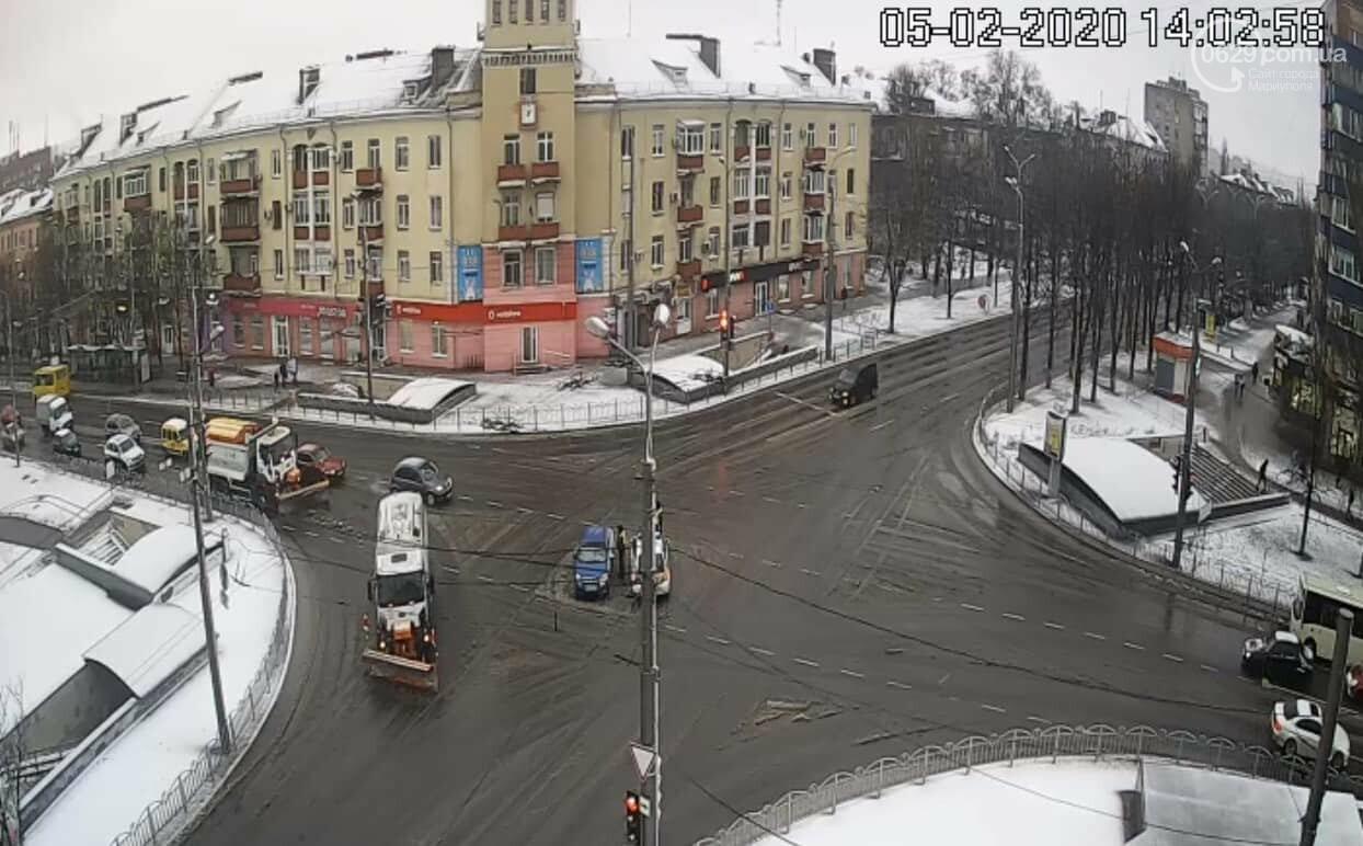 """В центре Мариуполя столкнулись БМВ и """"Шевроле"""", - ФОТО, фото-3"""