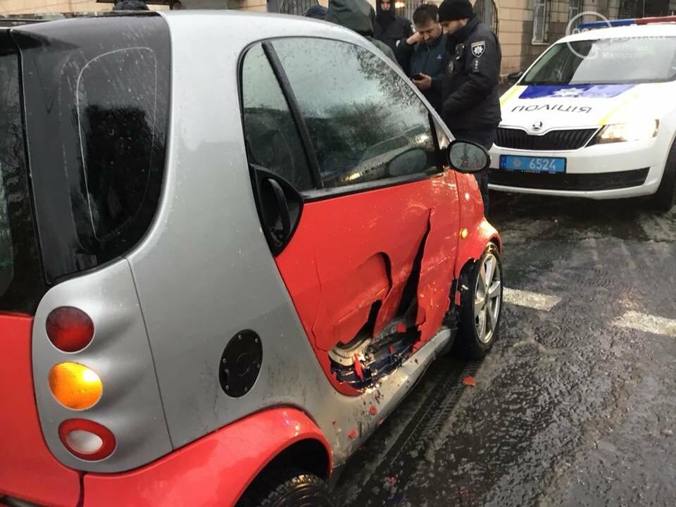 """В Мариуполе из-за плохой погоды на перекрестке столкнулись """"Лада"""" и """"Smart"""", - ФОТО, ВИДЕО, фото-2"""
