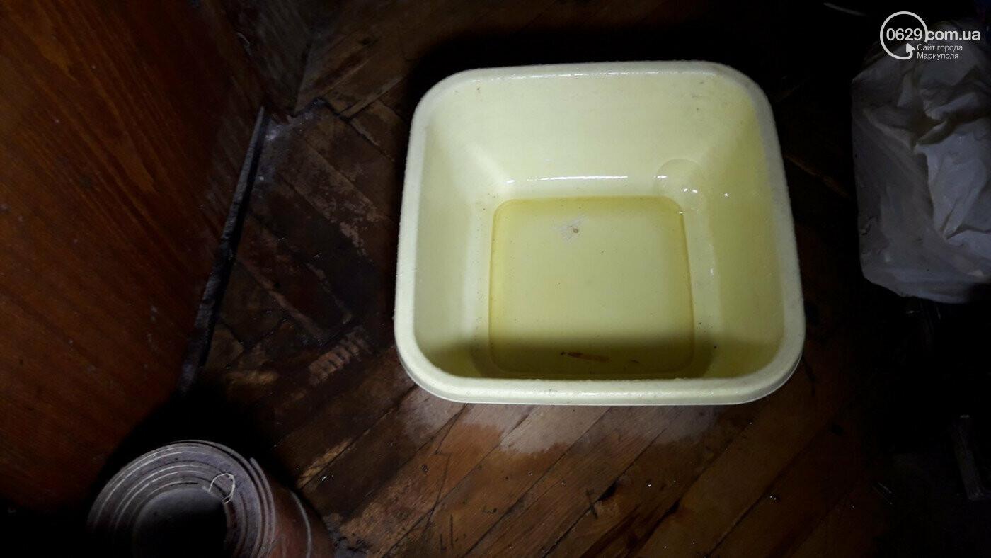 Ловили воду кастрюлями. Стало известно, почему затопило жителей мариупольской многоэтажки, фото-6