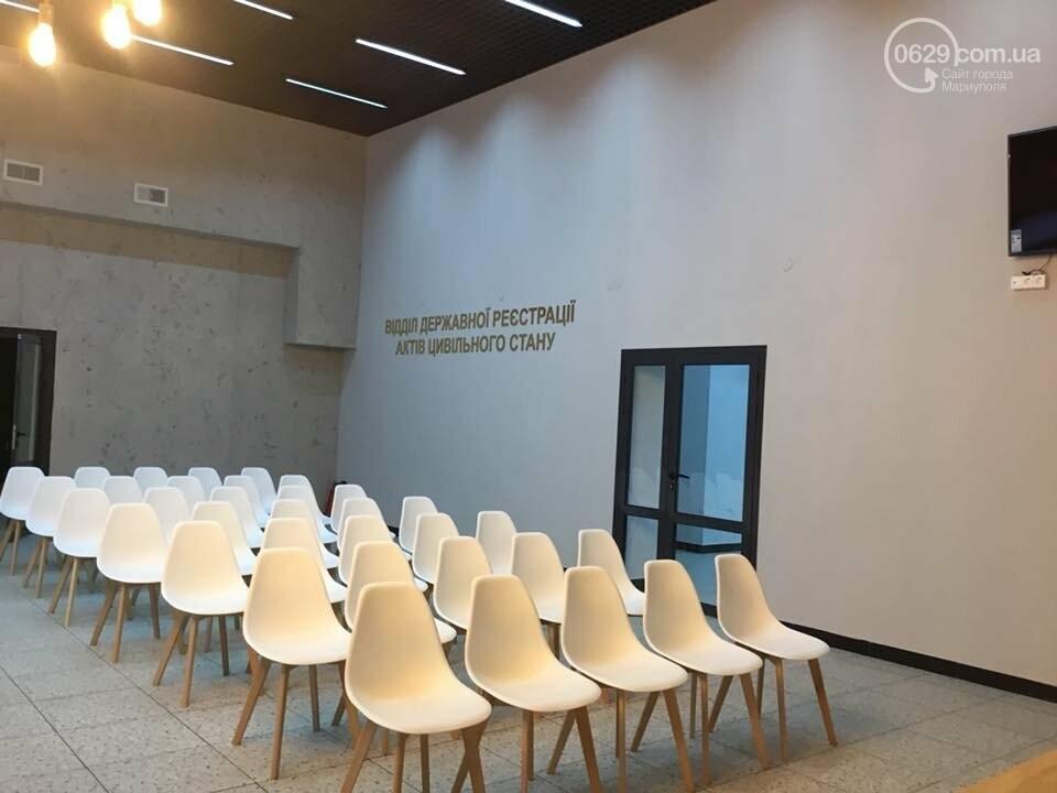 Городской дворец бракосочетания отказался покидать центр Мариуполя, - ФОТО, ВИДЕО, фото-5