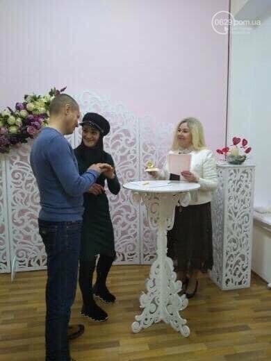 Праздник влюбленных: браки до ночи, электросердце и праздники в ДК, - ФОТО, фото-1