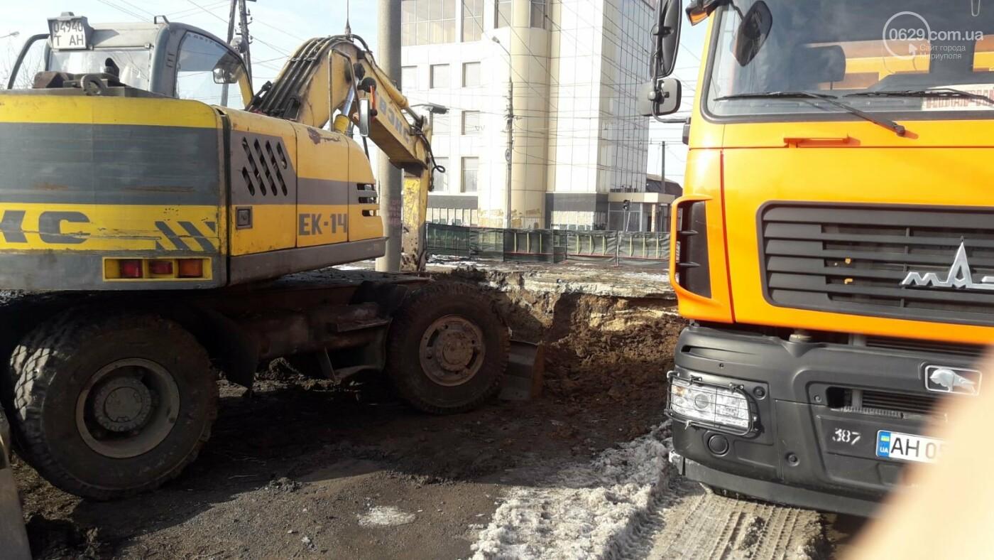 В Мариуполе на тротуаре образовался провал, - ФОТО, ДОПОЛНЕНО, фото-7