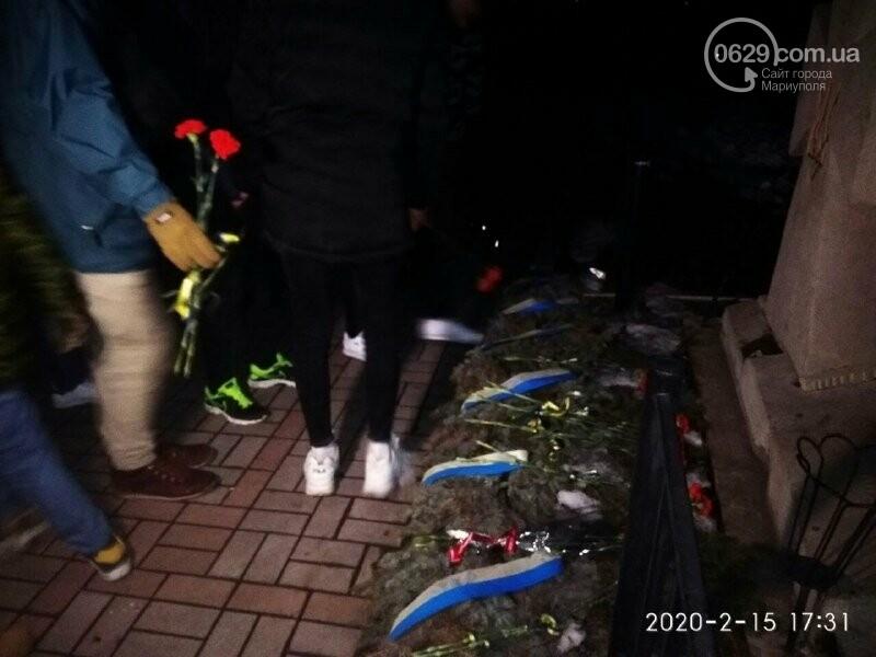 В Мариуполе почтили героев, погибших в боях за Широкино, - ФОТОРЕПОРТАЖ, фото-8