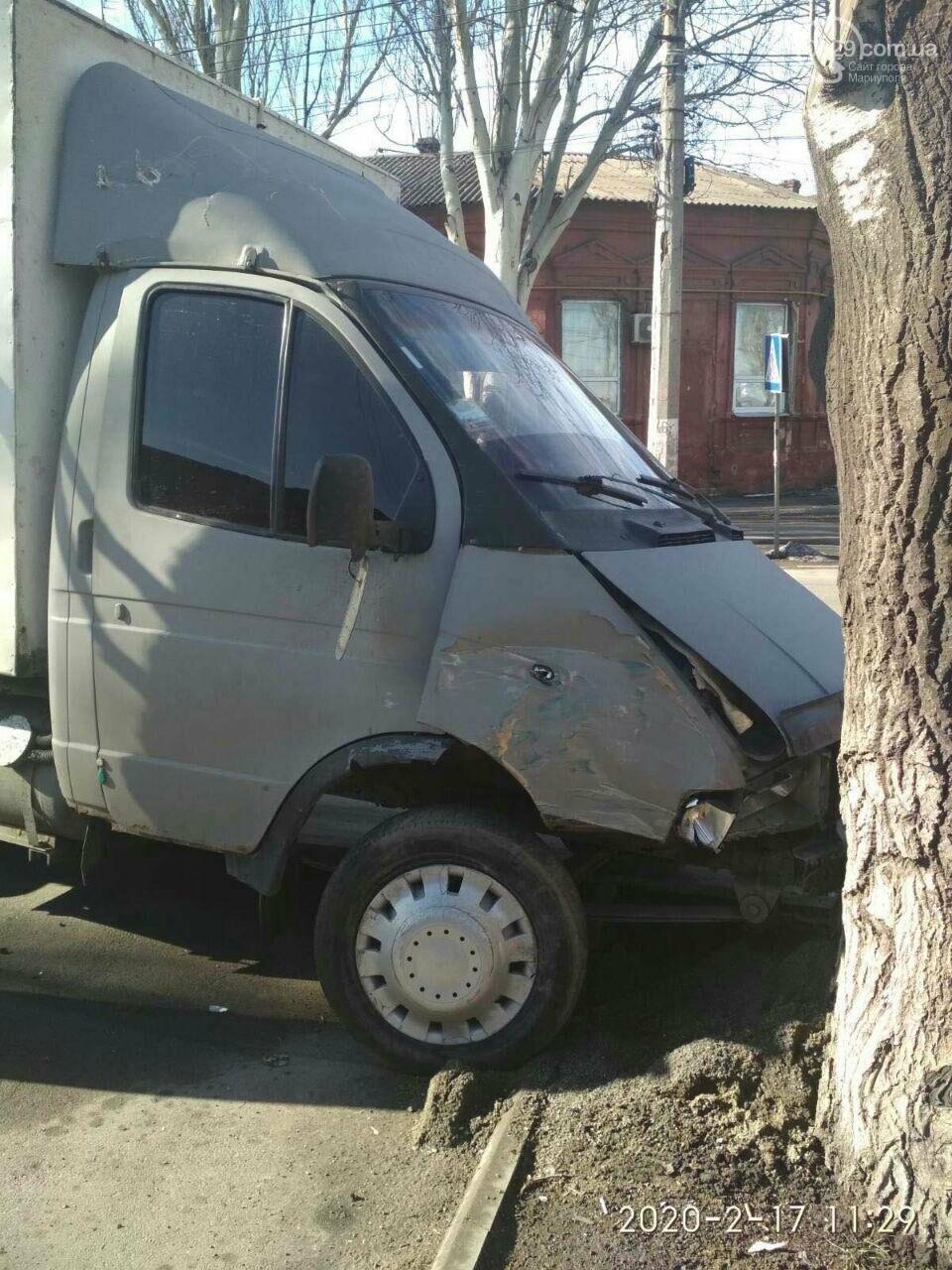 Массовое ДТП. В Мариуполе пострадали пять машин, - ФОТО, фото-2