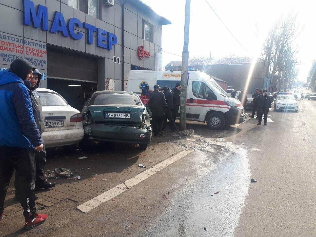 Массовое ДТП. В Мариуполе пострадали пять машин, - ФОТО, фото-1