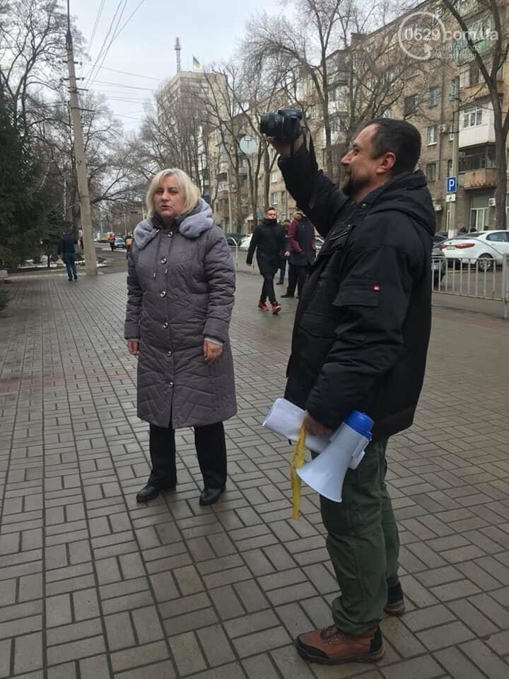 Представители независимого профсоюза принесли под прокуратуру шины, фото-9