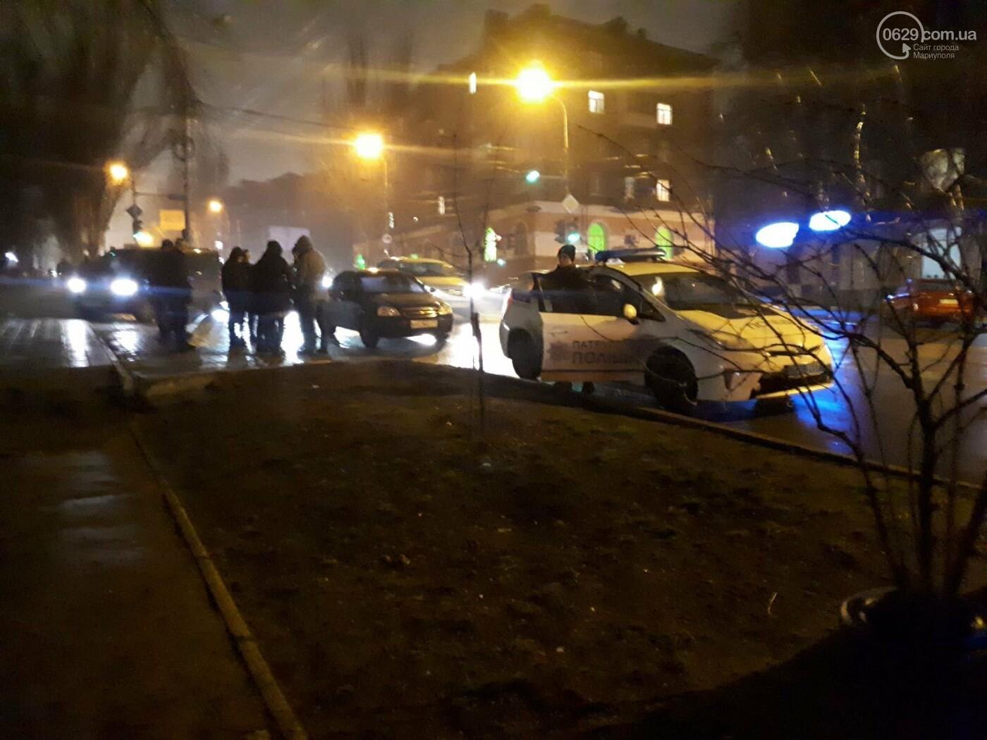 В Мариуполе на перекрестке Chevrolet сбил пешехода, - ФОТО, фото-3