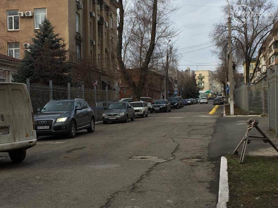 Улица Нильсена возле СБУ больше не перекрыта забором, - ФОТОФАКТ, фото-5