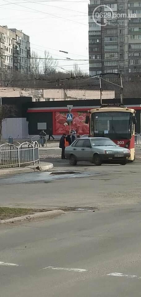 В Мариуполе трамвай сошел с рельсов, - ФОТО, фото-2