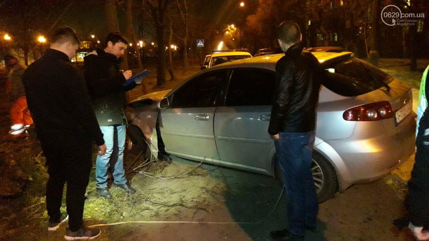 В Мариуполе автомобиль с двумя детьми врезался в дерево, - ФОТО, фото-6