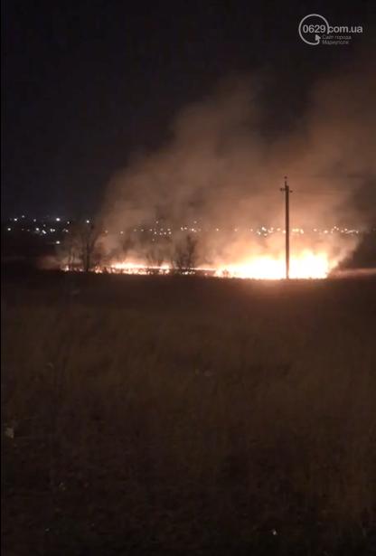 В Мариуполе горела трава около реки, - ФОТО, фото-1
