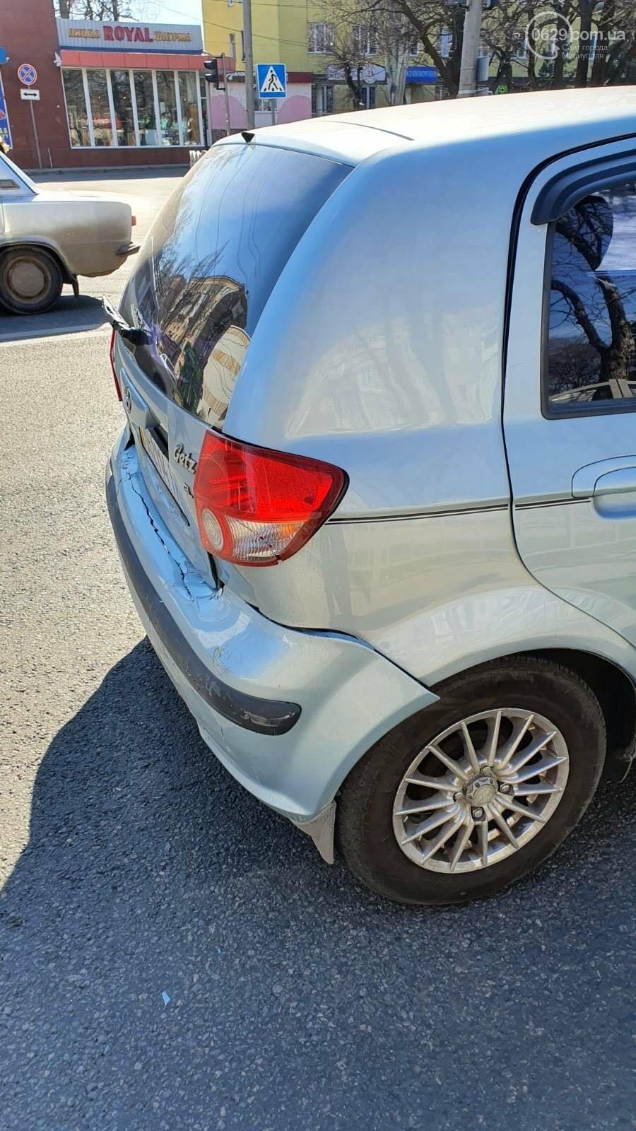 В центре Мариуполя ВАЗ догнал Hyundai, - ФОТО, фото-3