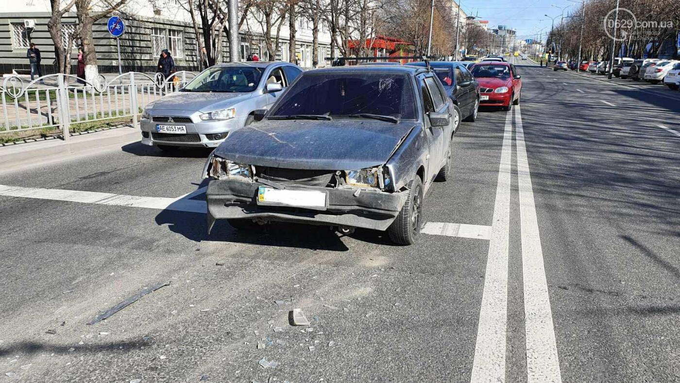 В центре Мариуполя ВАЗ догнал Hyundai, - ФОТО, фото-7