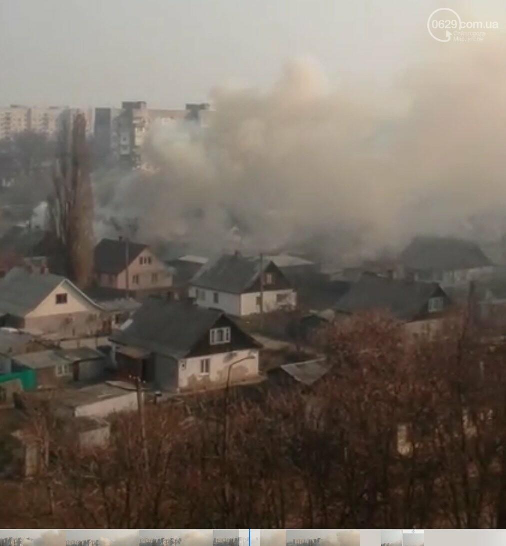 На Левобережье Мариуполя горит жилой дом, -ВИДЕО, фото-3