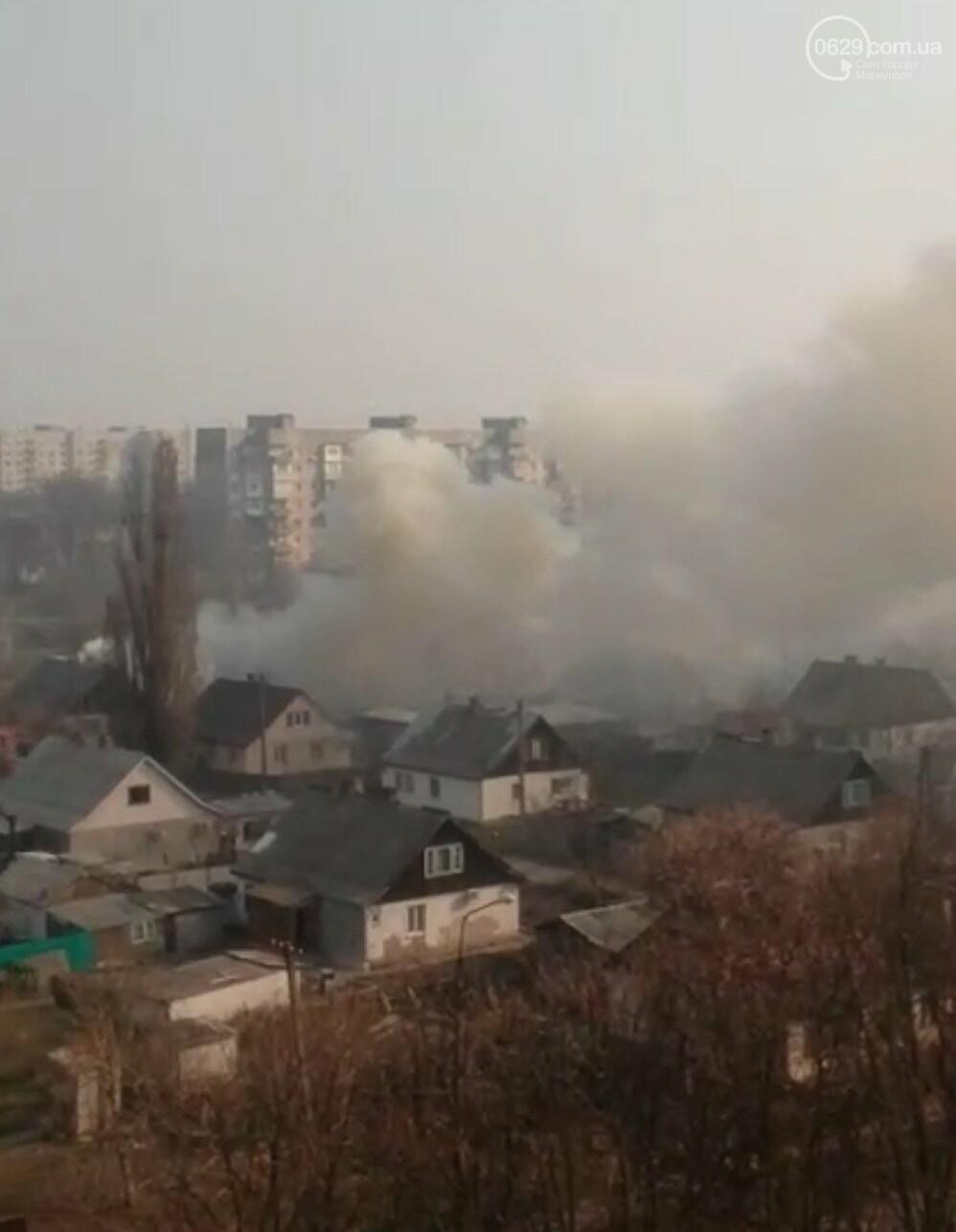На Левобережье Мариуполя горит жилой дом, -ВИДЕО, фото-2