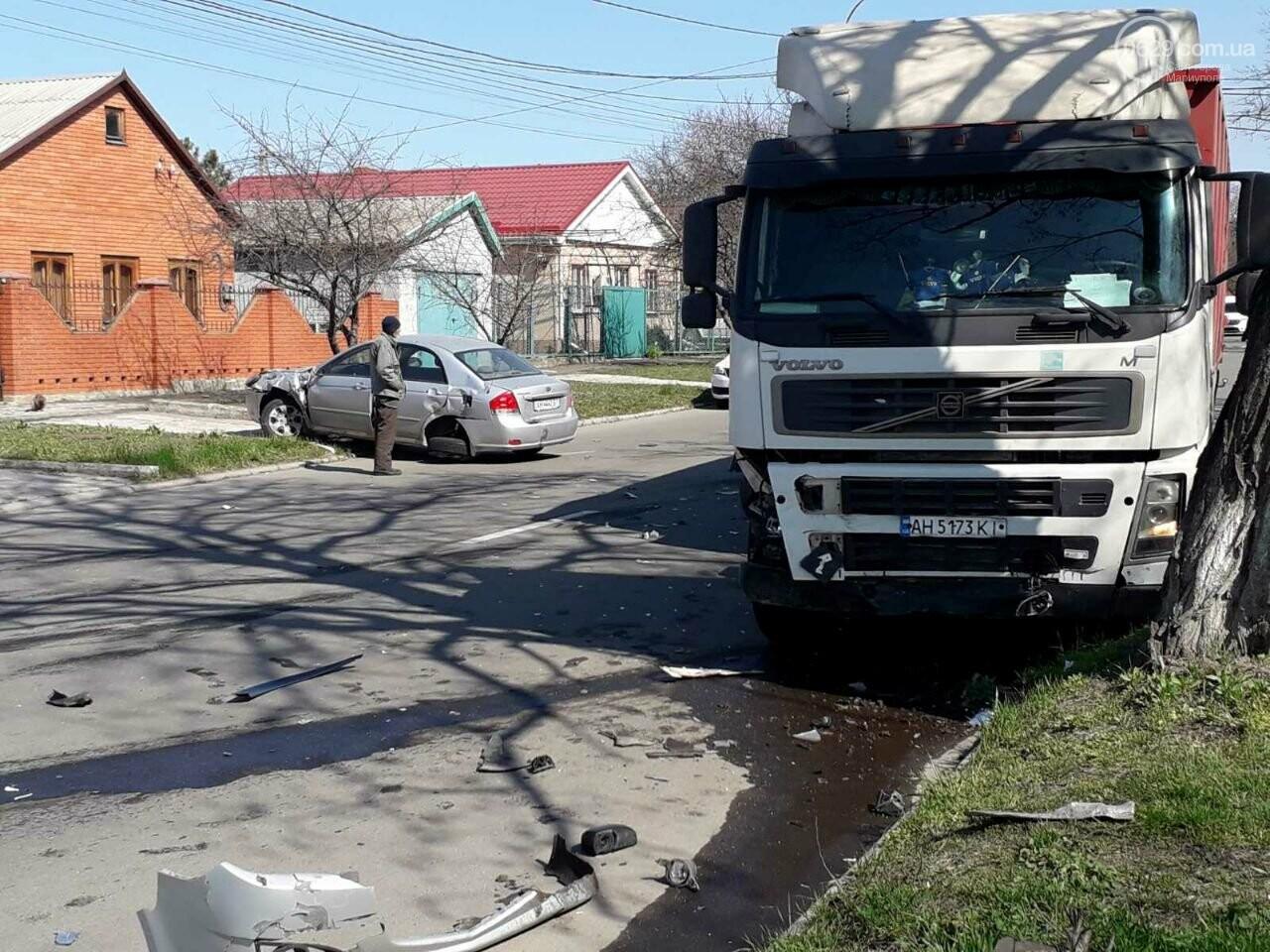 Тройное ДТП с пострадавшими. В Мариуполе столкнулись две легковушки и грузовик,  - ФОТО, фото-4