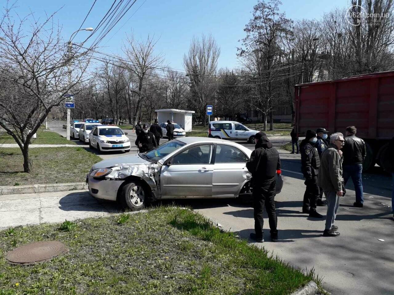 Тройное ДТП с пострадавшими. В Мариуполе столкнулись две легковушки и грузовик,  - ФОТО, фото-5