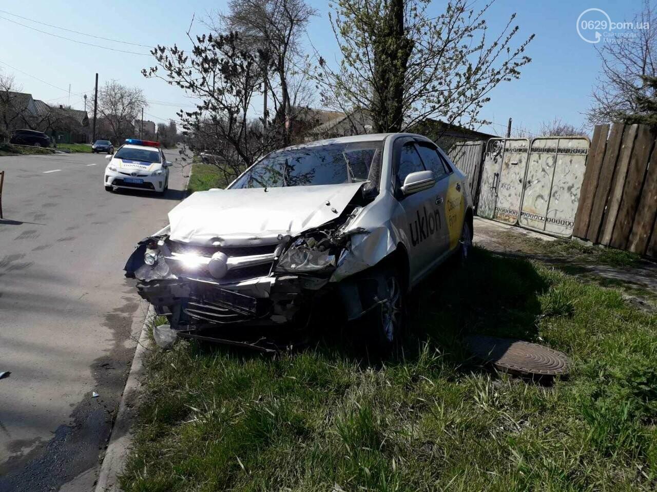 Тройное ДТП с пострадавшими. В Мариуполе столкнулись две легковушки и грузовик,  - ФОТО, фото-6