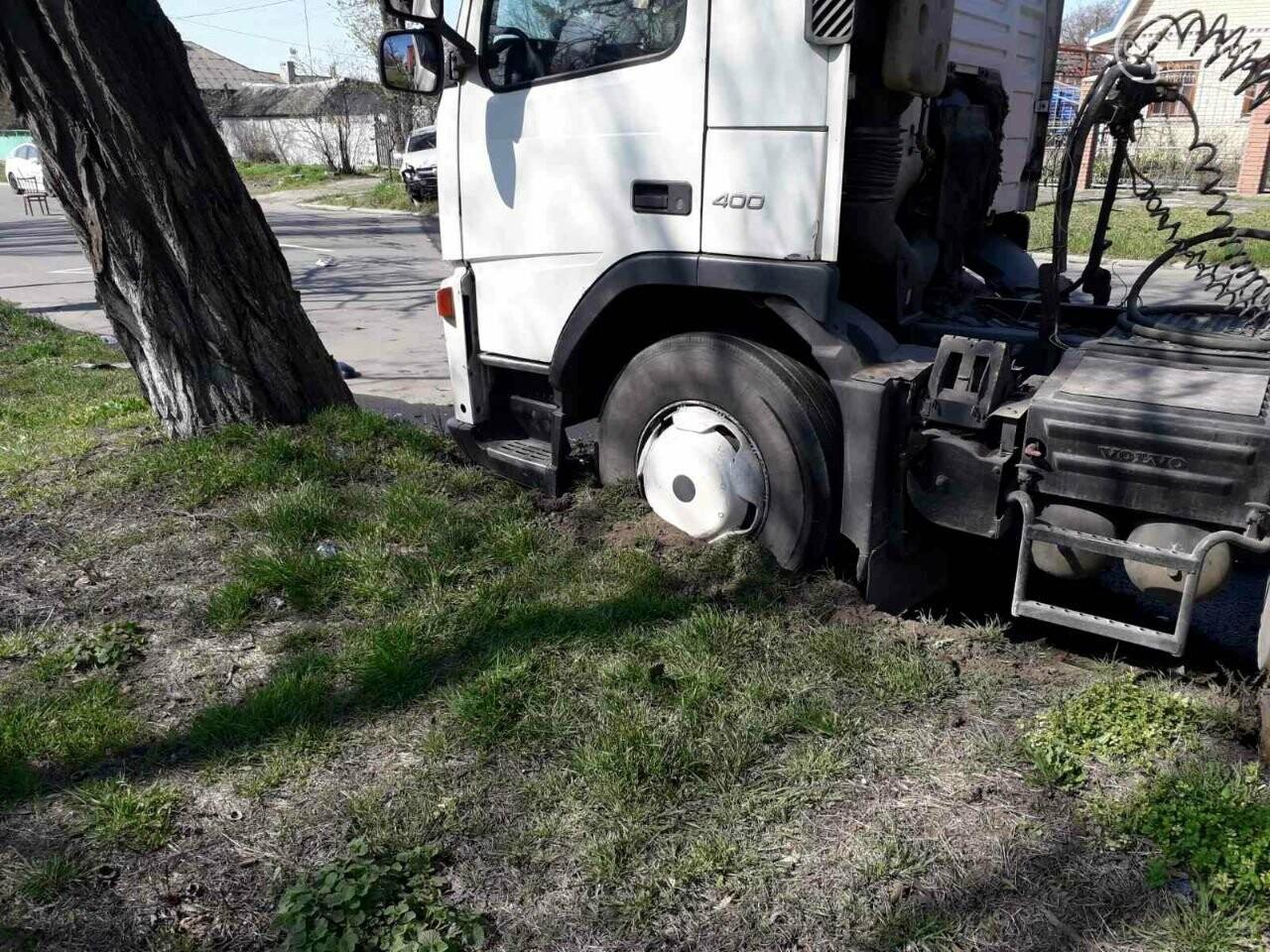 Тройное ДТП с пострадавшими. В Мариуполе столкнулись две легковушки и грузовик,  - ФОТО, фото-7