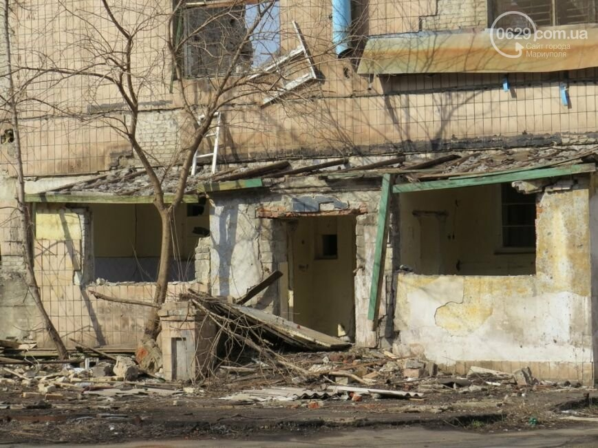 Скелет мариупольского хлебозавода: что осталось от здания, и кто теперь там поселился, - ФОТОРЕПОРТАЖ, фото-5