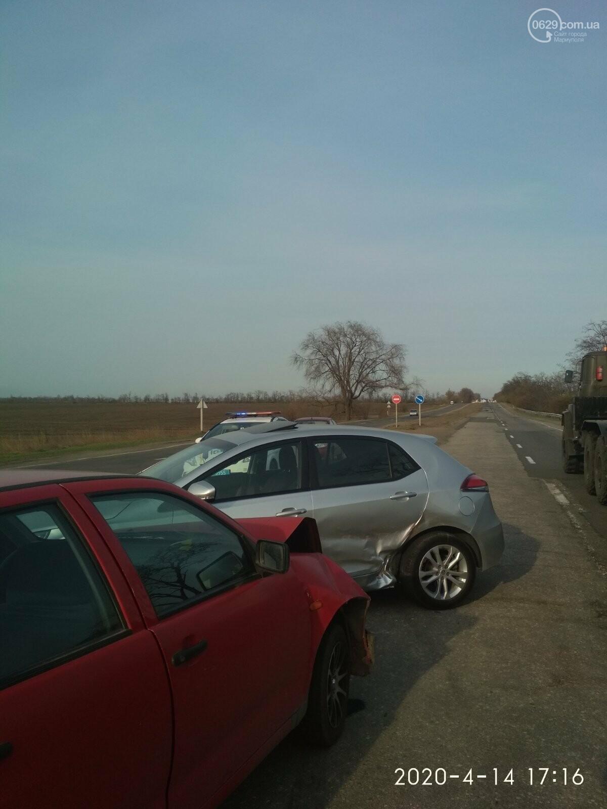 На трассе под Мариуполем столкнулись MG и SEAT, - ФОТО, фото-4