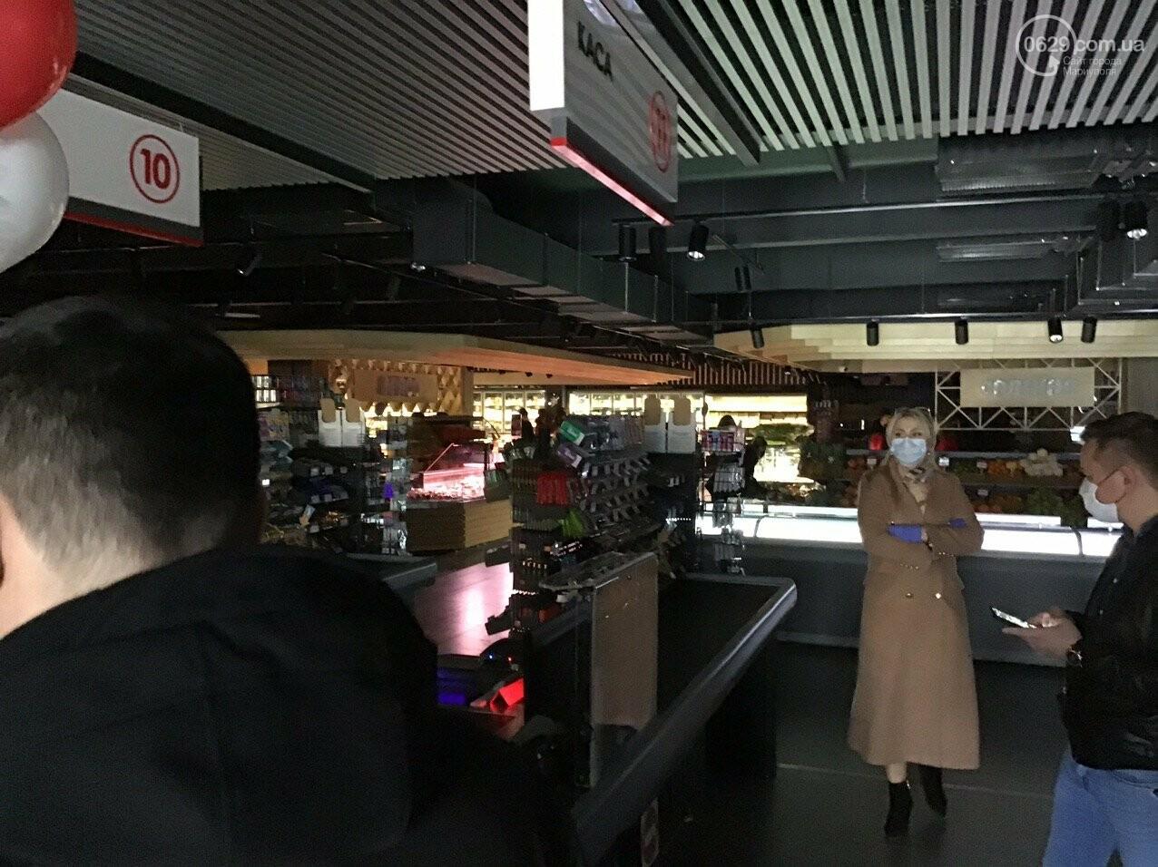 Мариупольцы в нарушение карантина штурмуют новый супермаркет, - ФОТО, ВИДЕО, фото-5