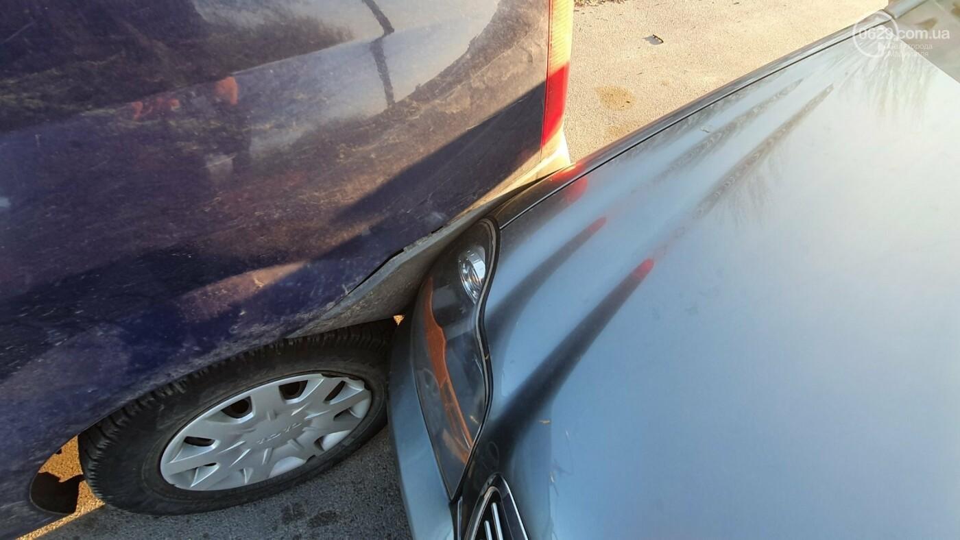 В Мариуполе пьяный водитель устроил ДТП и предлагал полицейским взятку, - ФОТО, фото-1