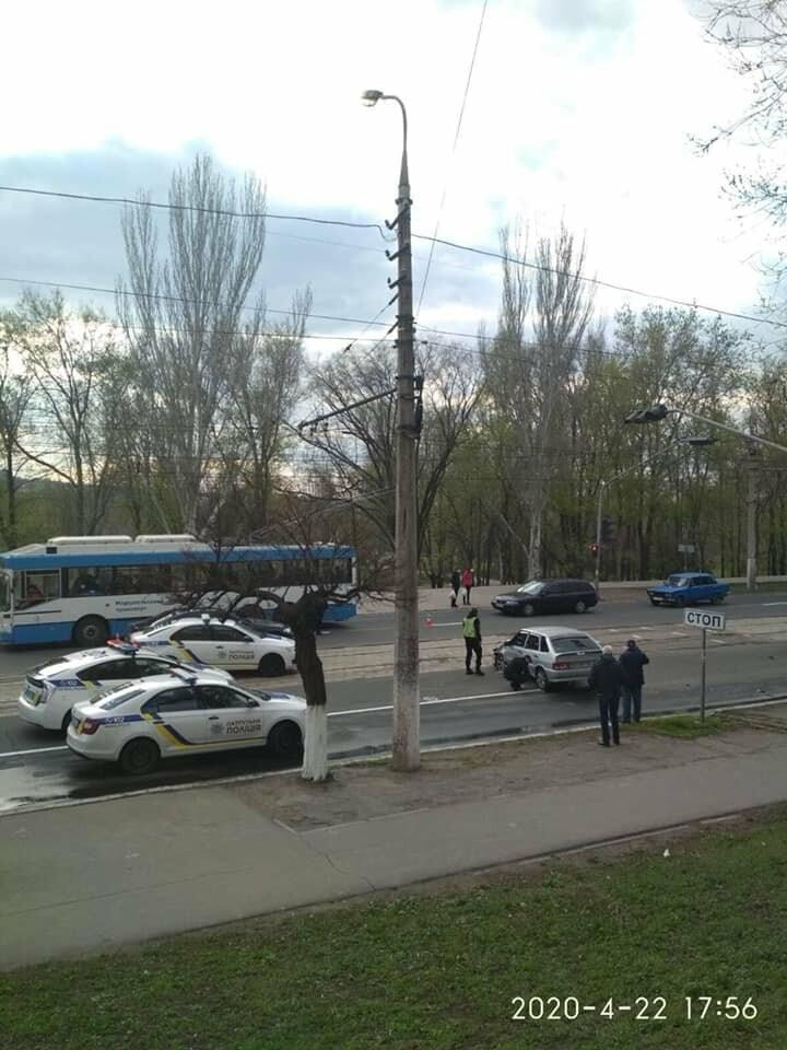 Авария на проспекте Металлургов парализовала движение электротранспорта, - ФОТО, фото-1