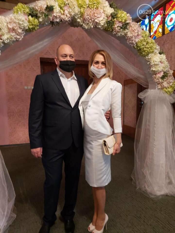 Свадьба в Масках. Мариупольцы женятся, несмотря на карантин, - ФОТО, фото-3