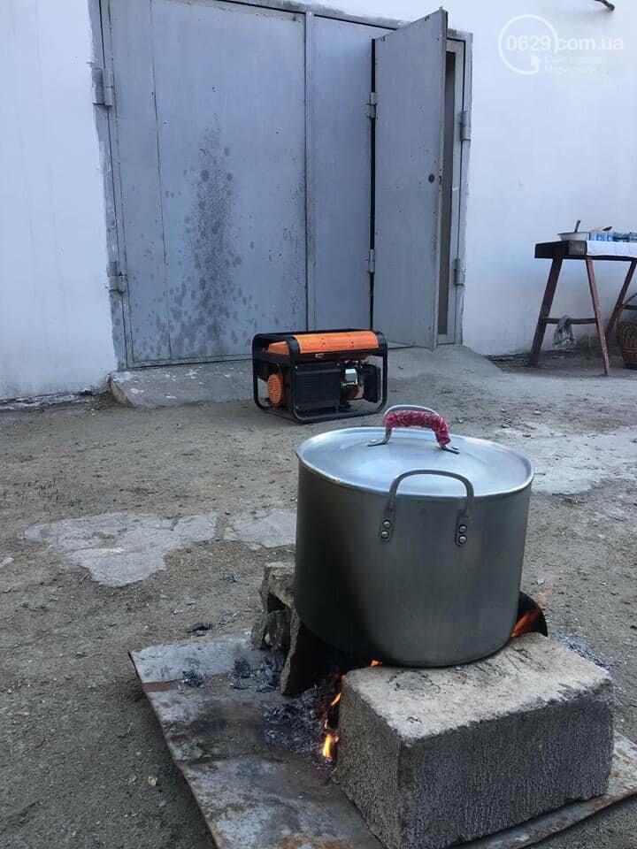 В храме, который кормит бездомных, отключили электроэнергию. Там теперь готовят на костре,-ФОТО , фото-6