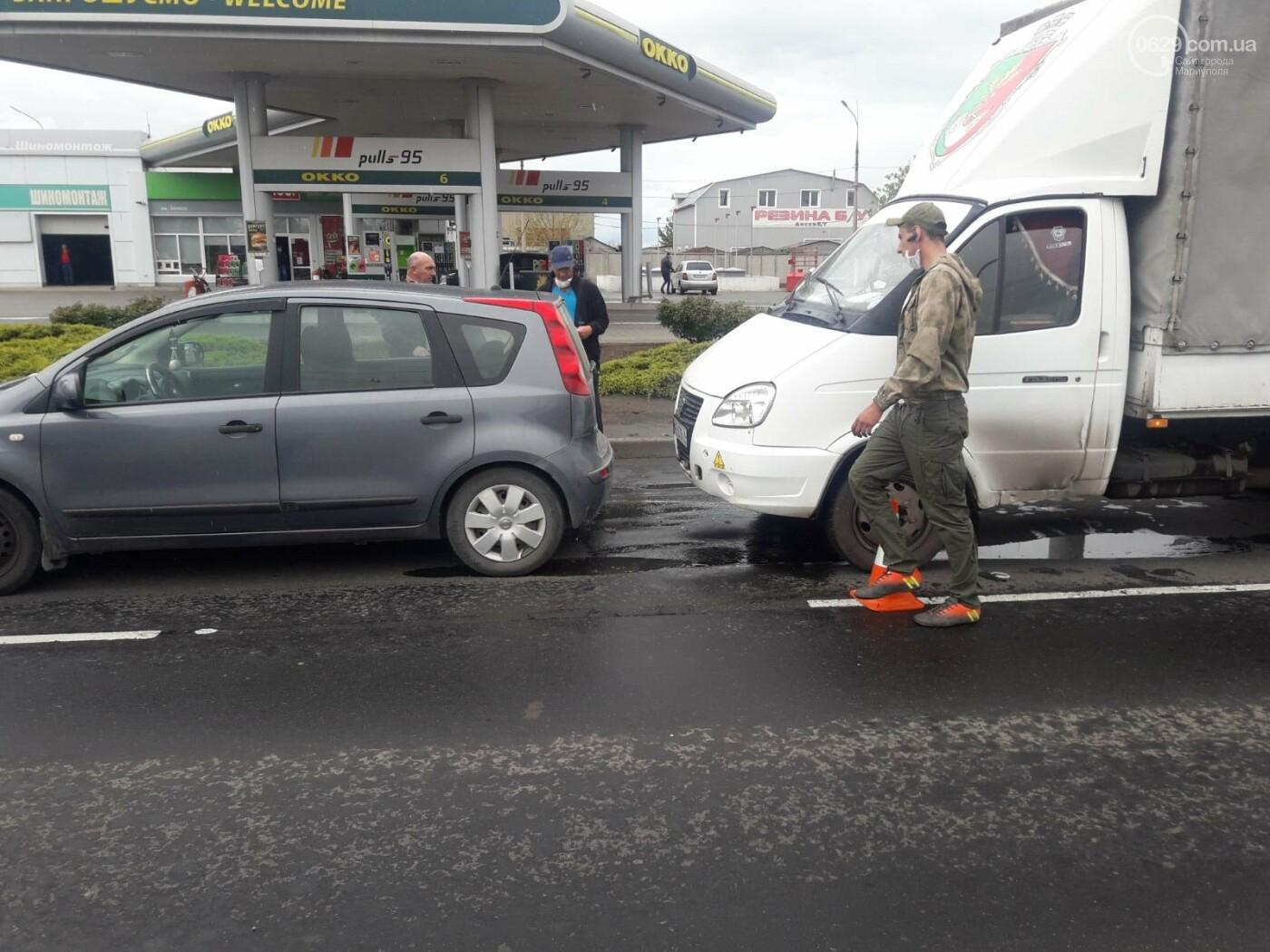Машина в хлам, есть пострадавшие. В Мариуполе на перекрестке произошло ДТП, - ФОТО, фото-2