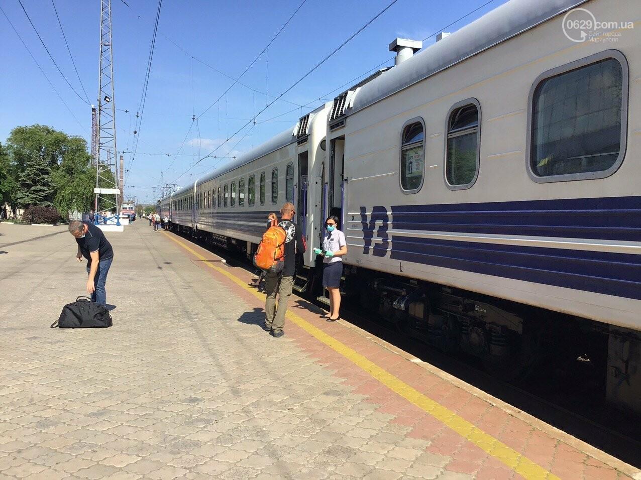Из Мариуполя отправился первый поезд в Киев, - ФОТОРЕПОРТАЖ, ВИДЕО, фото-7