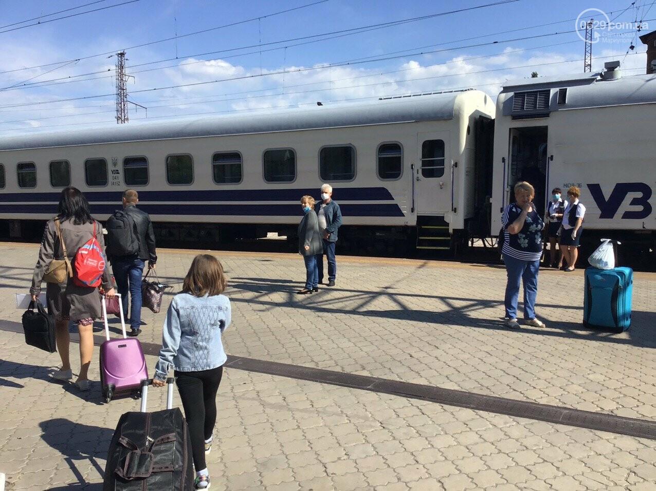 Из Мариуполя отправился первый поезд в Киев, - ФОТОРЕПОРТАЖ, ВИДЕО, фото-5