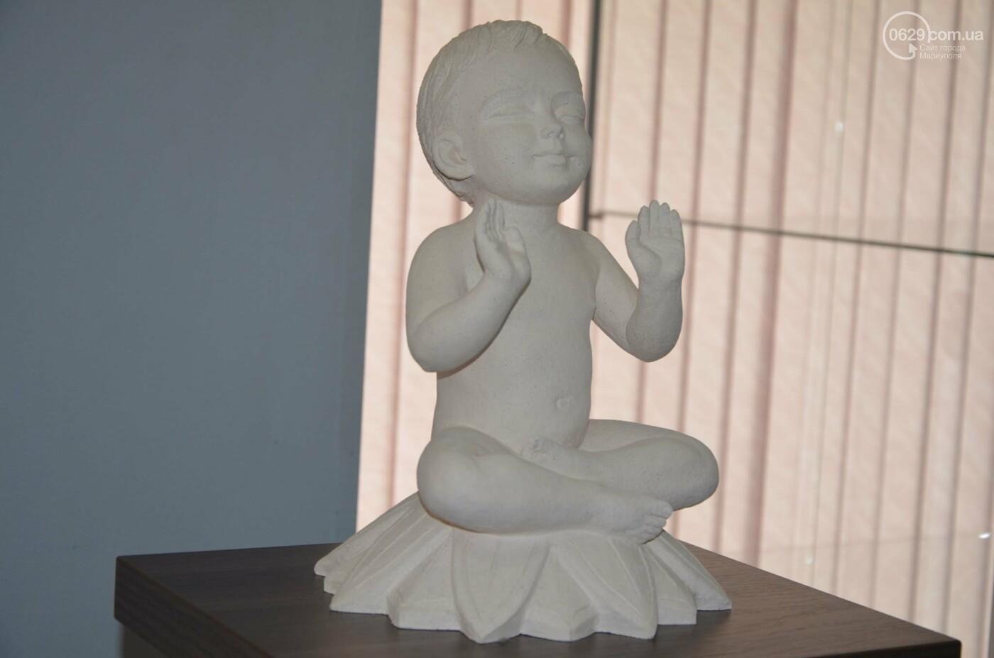 В Мариуполь привезли скульптуры, застрахованные на 4 - 6 тысяч евро каждая, - ФОТО, фото-3